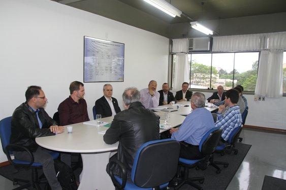 Reunião realizada na manhã de terça-feira
