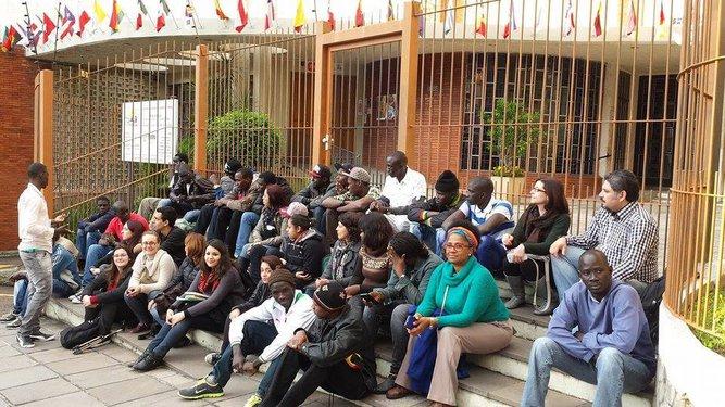 Migraidh em pesquisa de campo na Associação de Senegaleses de Porto Alegre