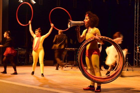 Arte circense foi um dos destaques do Multiversidade. Crédito foto: Mariana Flores