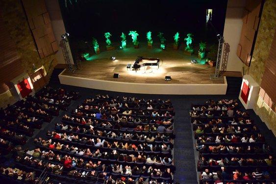 Público lotou o Centro de Convenções para o concerto de inauguração do piano. Crédito foto: Mariana Flores