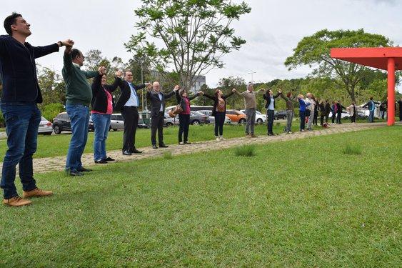 Comunidade acadêmica se uniu para abraçar o Planetário (Foto: Mirian Quadros)