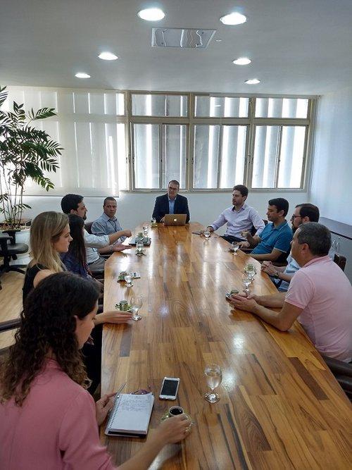 Reunião que marca o início do projeto de cooperação técnica ocorreu na segunda (10) no Gabinete do Reitor. Crédito foto: Mirian Quadros
