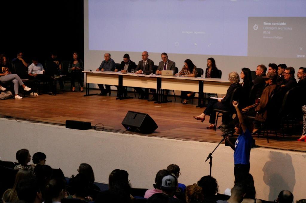 Entidades representativas e público presente puderam se manifestar sobre o Future-se