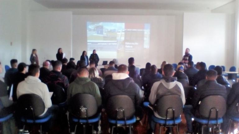Coordenadores e Secretárias fazem apresentação dos Cursos