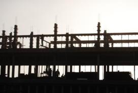 Trabalhadores nas obras do segundo prédio do CESNORS da UFSM. Local: CESNORS da UFSM.
