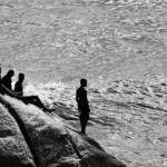 Obra: Meninos do Rio. Dimensões: 59,8 40 cm (impressão); 63,8 X44 (total com moldura). Técnica: fotografia