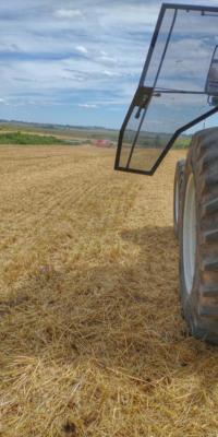 Um dos pilares da agricultura de precisão, as máquinas agrícolas com eletrônica embarcada, em operação.