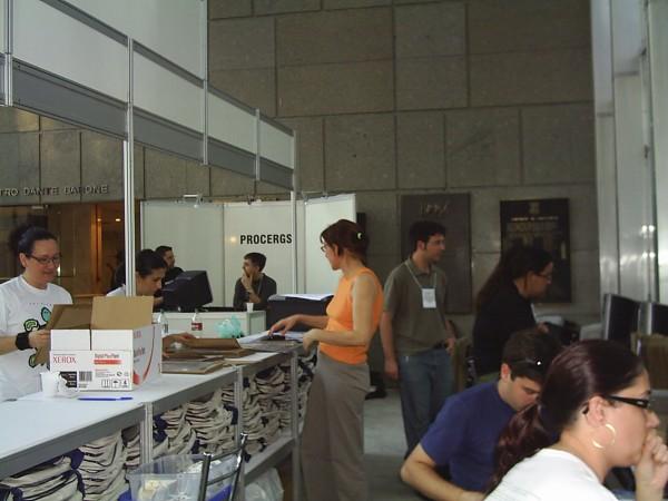 600x450-crop-90-images_fotos_eveventosacademicos_congressos_cna_ii_2006_2