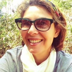 Foto de rosto da professora Marília Barcellos