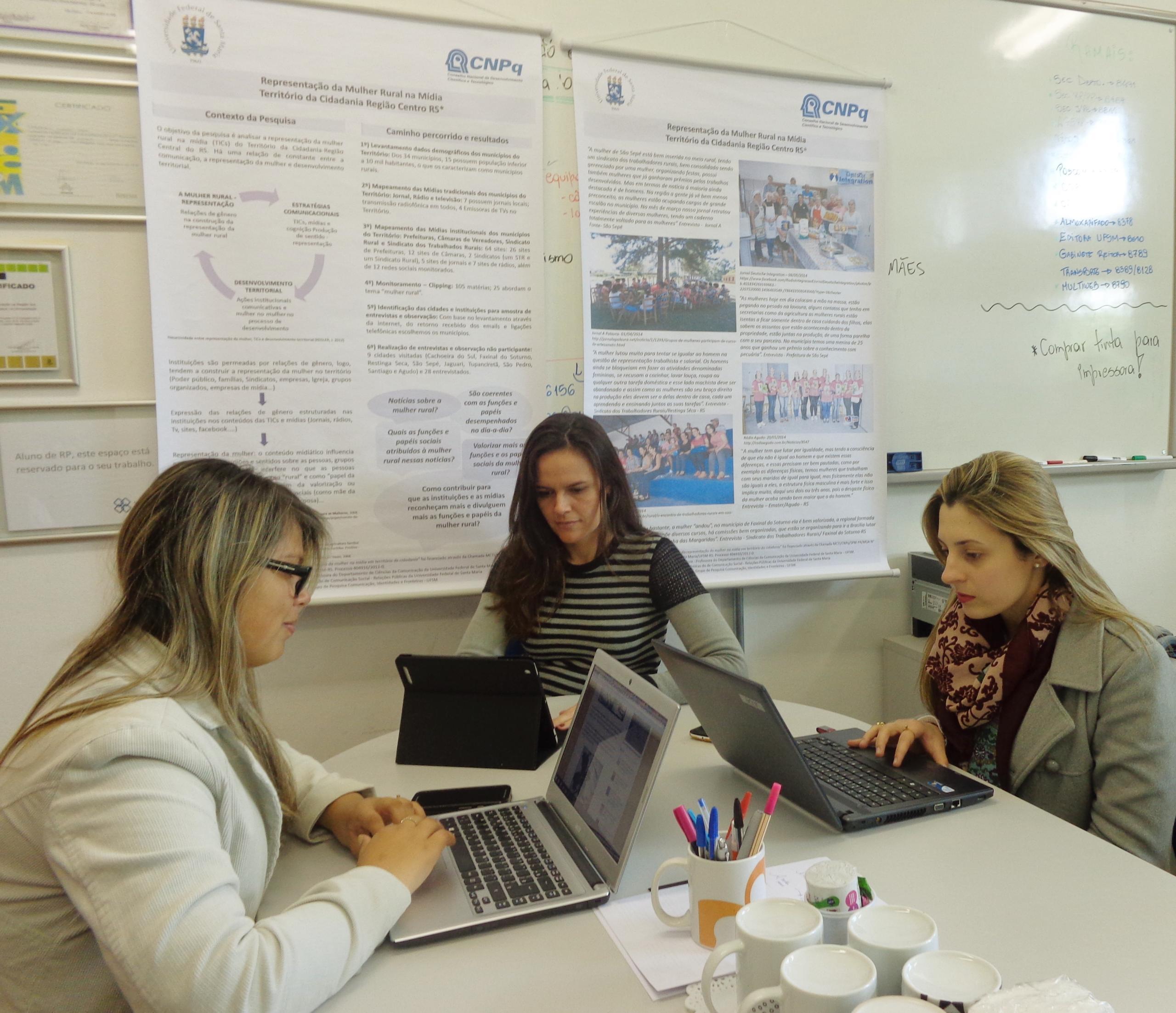 Juliana Graebner, Profª. Drª. Jaqueline Kegler e Ariele Righi
