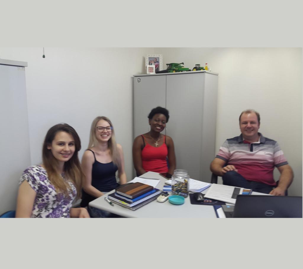 Dia de trabalho: Angélica, Maiara, Ricardina e Prof. Nilson