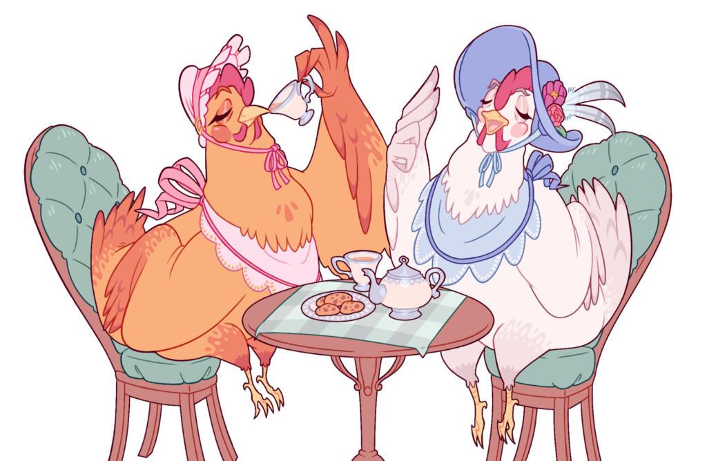 Ilustração colorida na horizontal. Ao centro, duas galinhas sentadas em lados opostos de uma mesa redonda. Ambas galinhas estão vestidas com chapéus e babeiros. Na mesa, um bule de chá, uma xícara e um prato de biscoitos. Uma delas está levando outra xícara à boca. A outra galinha aparenta gesticular.