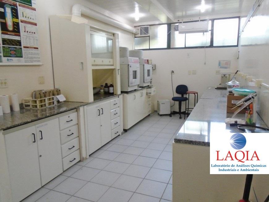 Sala de preparo de amostras - Sample preparation room