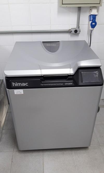 Centrifuga refrigerada HIMAC CR22N